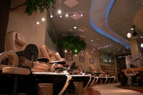 Nail garden studio city studio city ca spa week for A salon of studio city