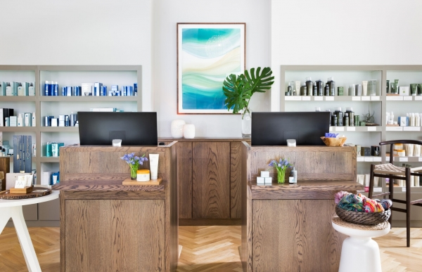 Hiatus Spa + Retreat- Dallas front desk