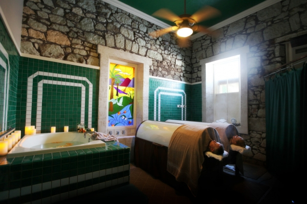 Lincoln Avenue Spa - Calistoga, CA - Spa Week