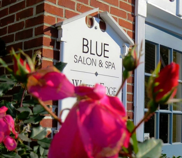 Blue Salon and Spa Sign